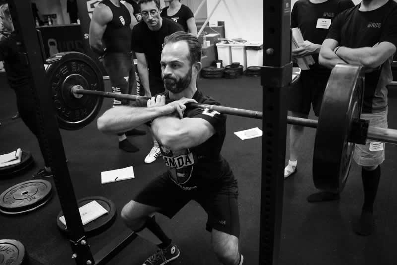 Čelní dřep (front squat) - StrongFirst SFL Barbell
